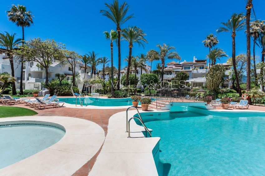 Ground Floor Apartment for sale in Estepona, Costa del Sol