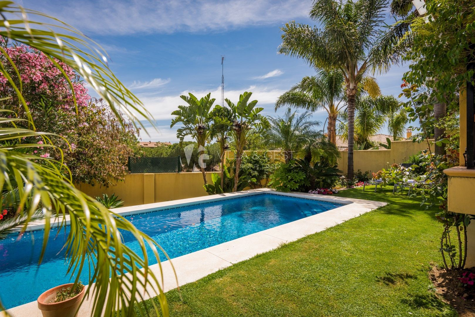 SEMI DETACHED HOUSE IN GUADALMINA ALTA
